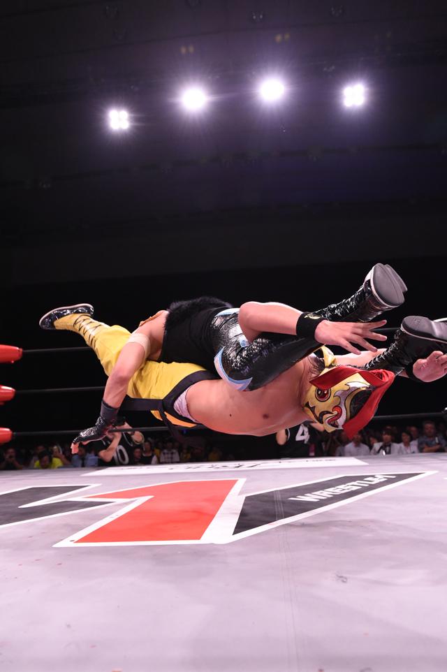 "W-1: ""PW Love in Yokohama"" Hijo del Pantera es monarca 4"